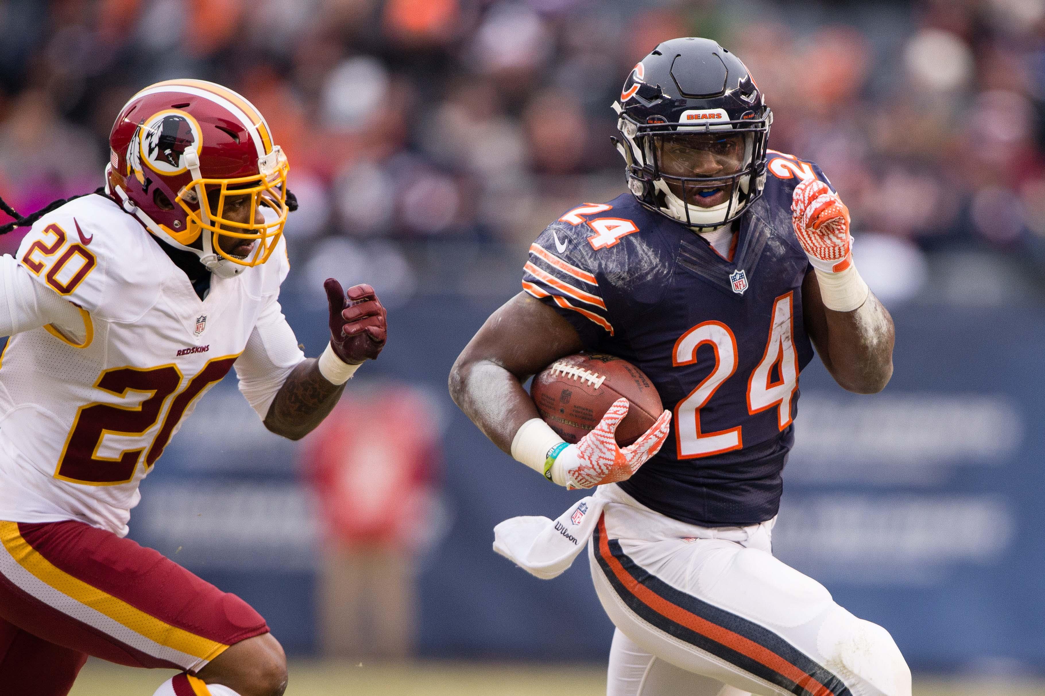 Former IU running back Jordan Howard breaks Bears rookie rushing