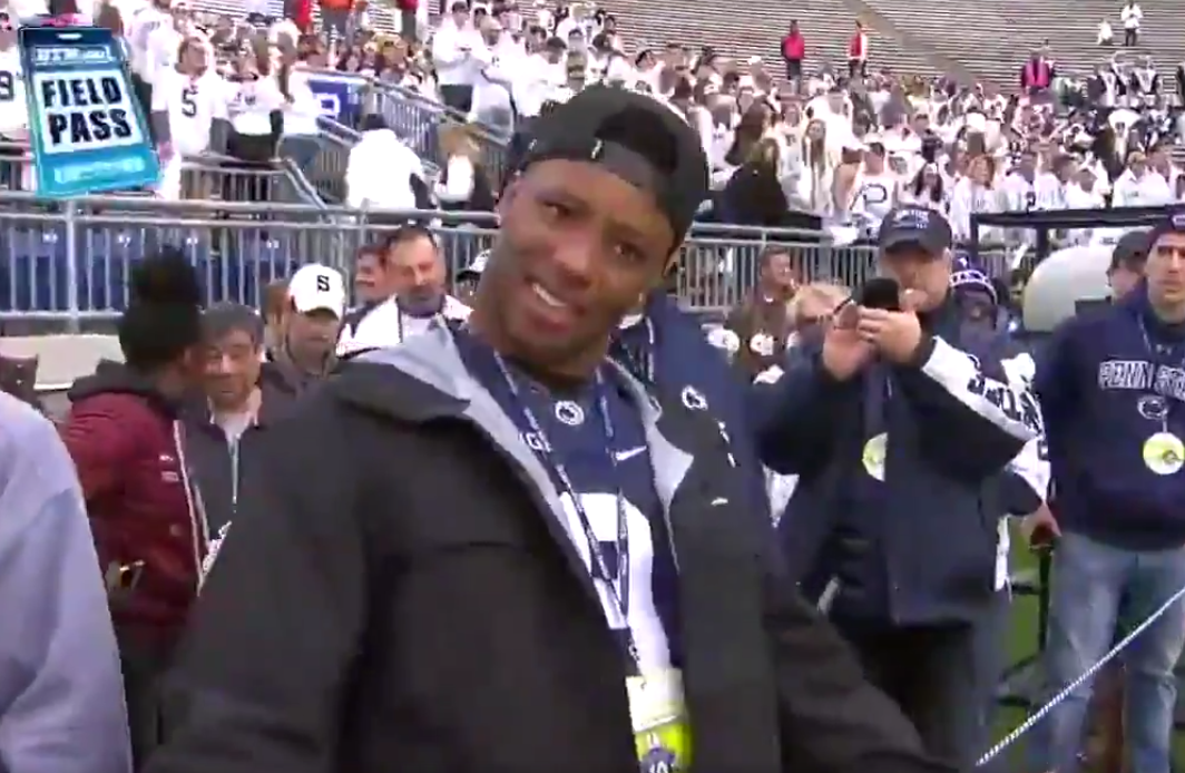 new concept 84f7f 30ef4 WATCH: Saquon Barkley is seen on sidelines repping Trace ...